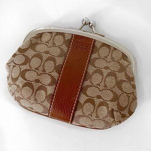 NWOT Coach kisslock coin wallet.